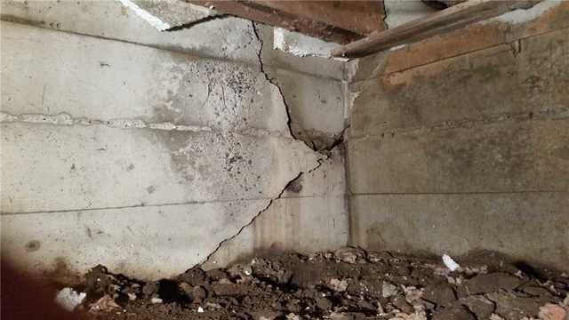 Fissure de fondation réparée à Cornwall.