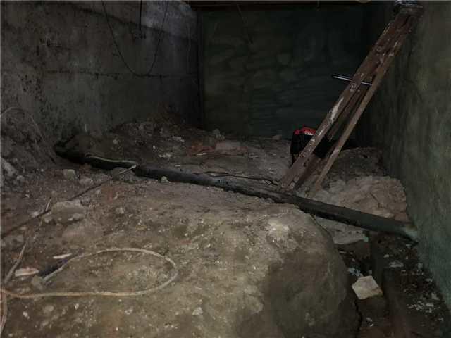 Sol du vide sanitaire isolé de la maison à Les Cèdres