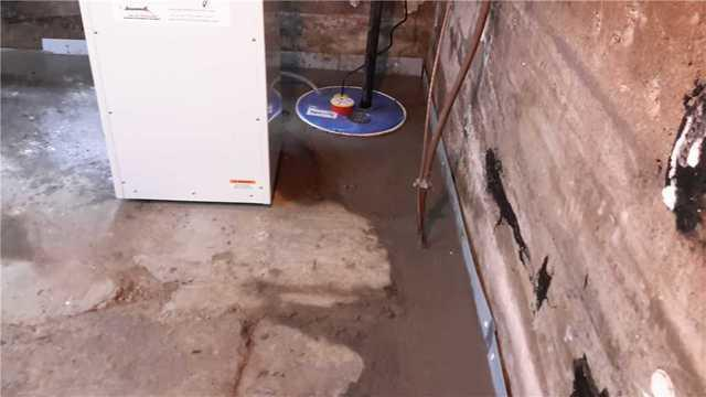 Waterproofing and dehumidification of a basement in Magog, Quebec.