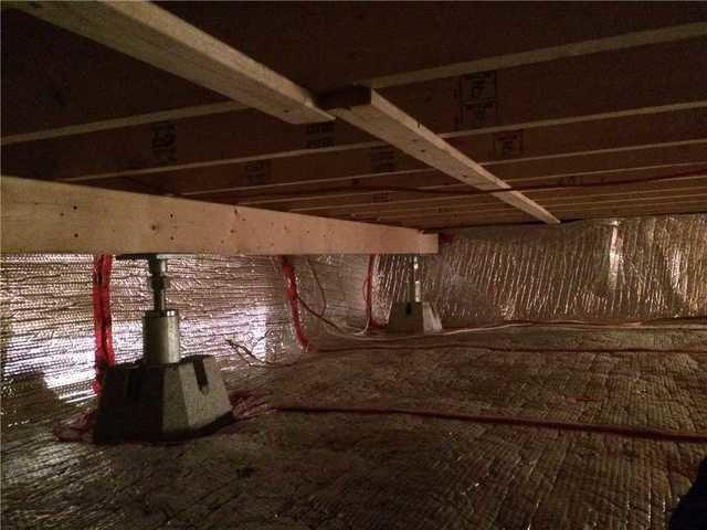 Solidification of a crawl space with SmartJacks in Sainte-Marthe-Sur-Le-Lac, Quebec