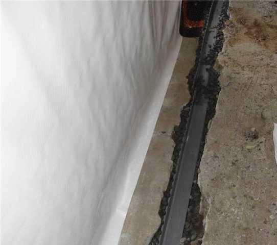 Waterproofing this basement in Brownsburg-Chatham, Qc