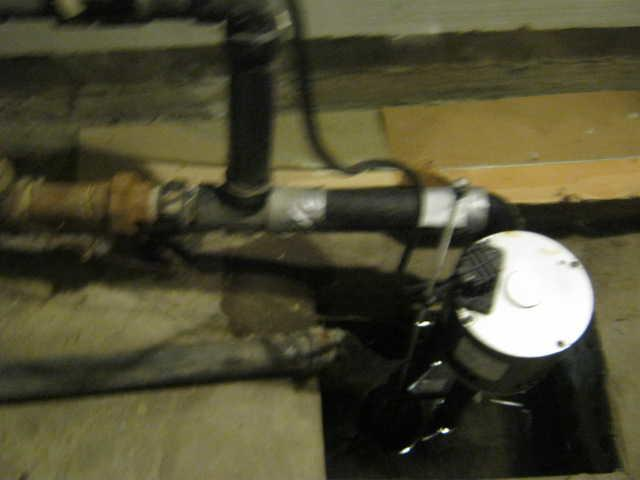 Old sump pump replaced in La Prairie, Qc
