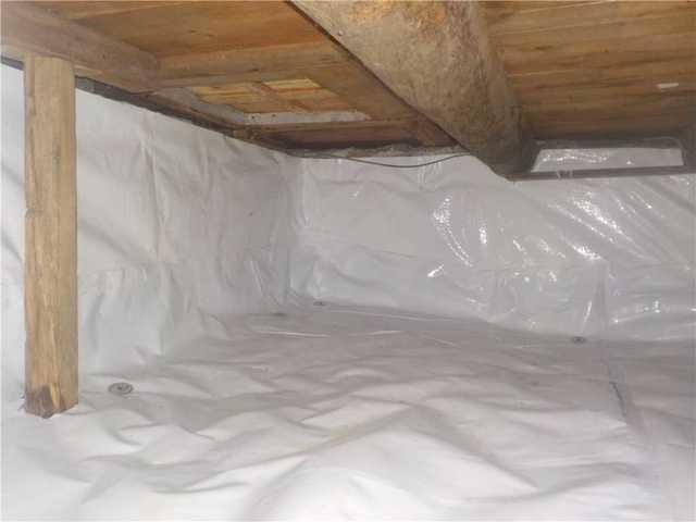 Encapsulation of a crawl space in Sainte-Anne-Des-Plaines, Qc