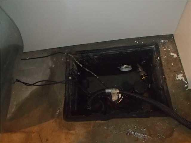Replacing an old sump pump in Lachute, Qc
