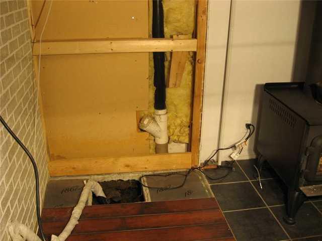 Pompe de puisard dans un revêtement hermétique à Sainte-Victoire-de-Sorel, QC