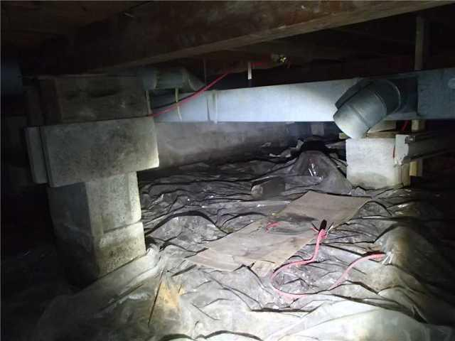 Crawl Space Dehumidification and Encapsulation in Saint-Armand, Qc