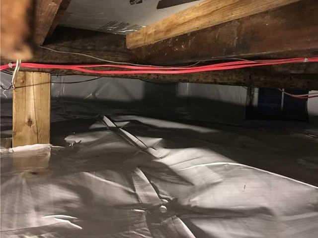 Encapsulation of a crawl space in Saint-Lambert-De-Lauzon, Qc