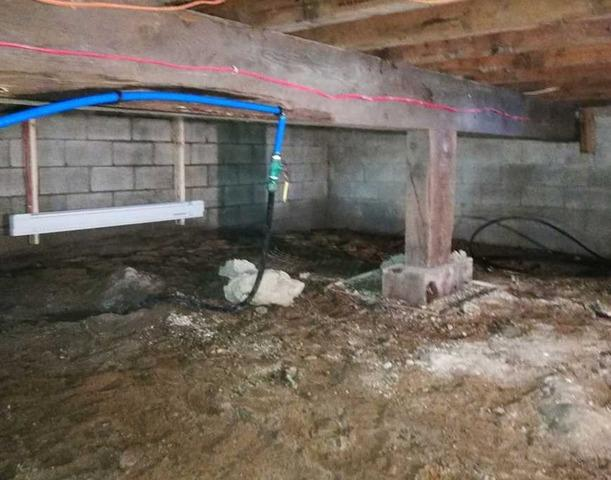 Encapsulation of a crawl space in Louiseville, Qc