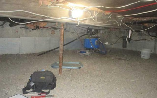 Crawl space encapsulation in Ange-Guardien, Qc