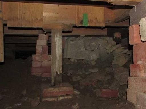 Stabilization of joists in a crawl space in Deux-Montagnes, Qc