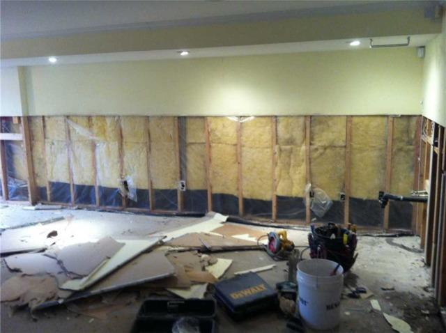 Refinishing a flooded basement in Laval