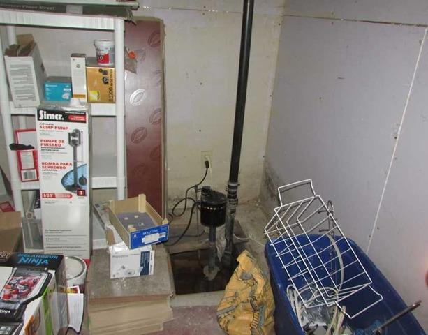 Installation d'une pompe à Saint-Constant, Qc - Before Photo