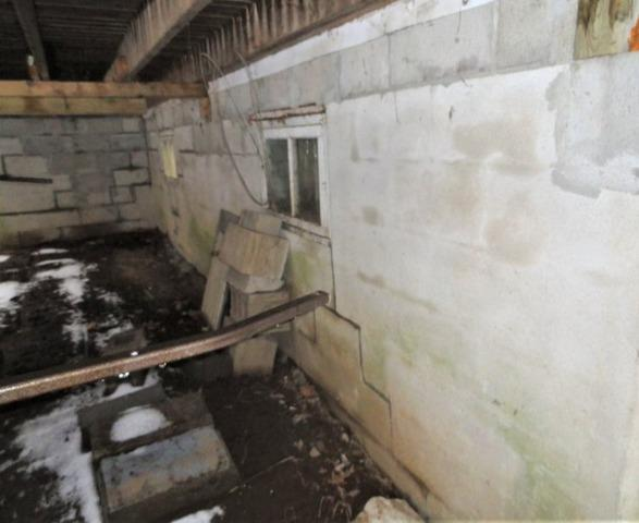 Stabilizing a crawl space in Mirabel, Qc