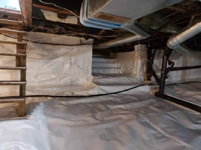 Encapsulation of a crawl space in Bois-Des-Filion , Qc