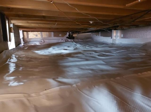 Crawl space encapsulation in Sainte-Adele, Qc