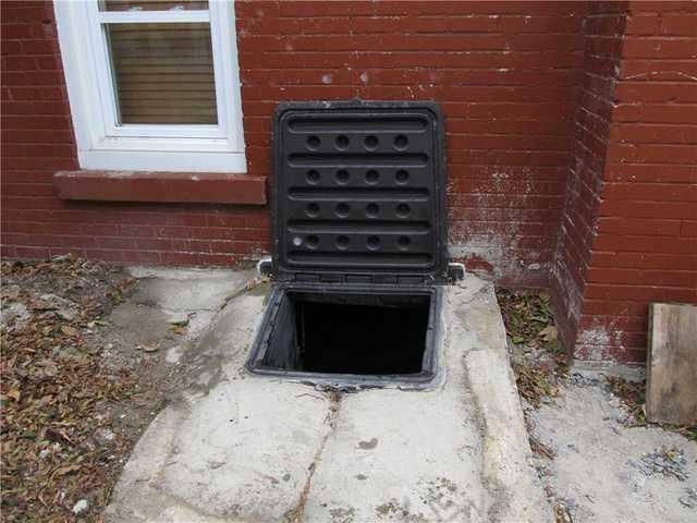 Trappe de vide sanitaire à Montréal