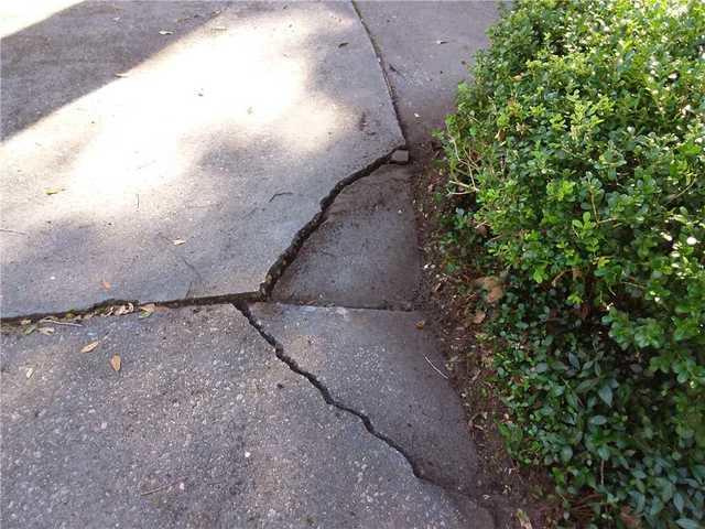 PolyLevel Stabilized Cracked Driveway in Hilton Head, SC