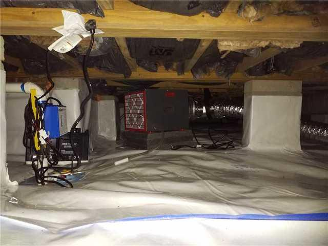 Moisture in Warner Robins, GA Crawl Space