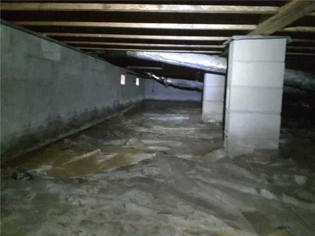 Damp Crawl Space in Vidalia, GA