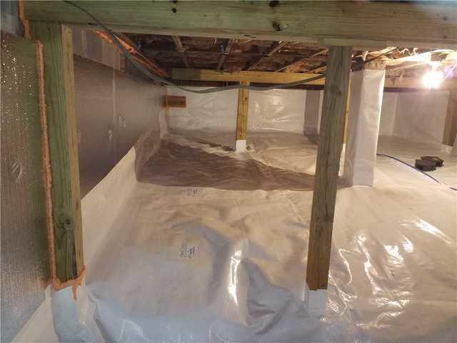 Wet Moldy Crawl Space Protected in Hawkinsville, GA