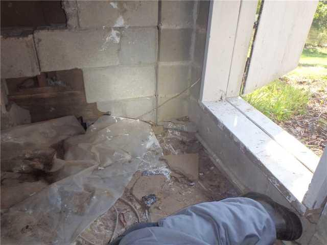 Damp, Rodent-Filled Crawled Space Encapsulated in Milledgeville, GA