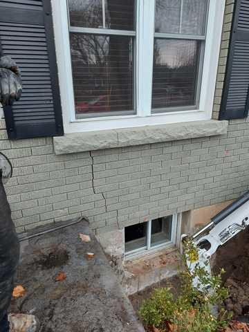 Settling foundation in St. Catharines