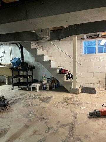 Supplemental Beam with house jacks in St. Catharines, ON