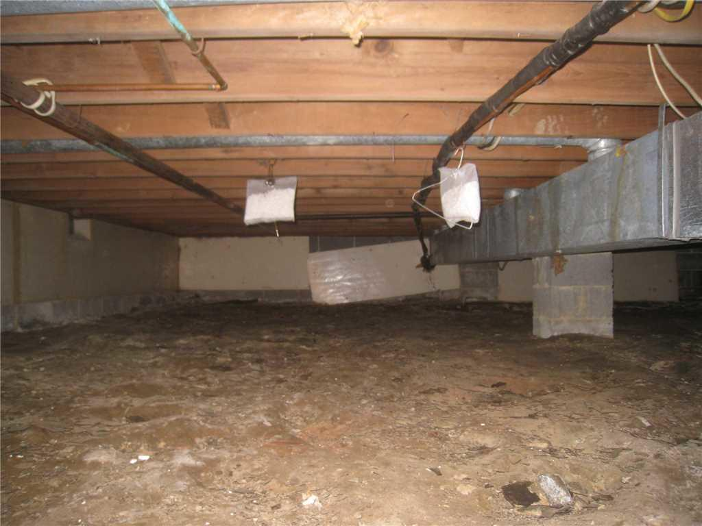 Humid Crawl Space Repaired in Delran, NJ - Before Photo