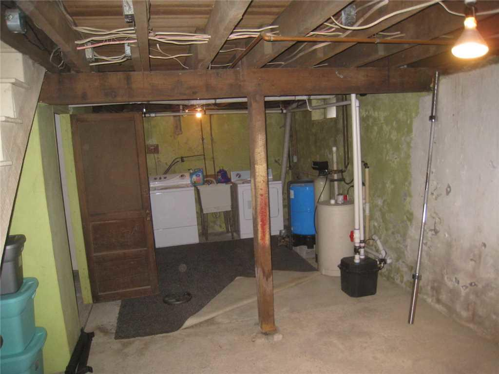 Home Supported by SmartJacks in Stewartsville - Before Photo