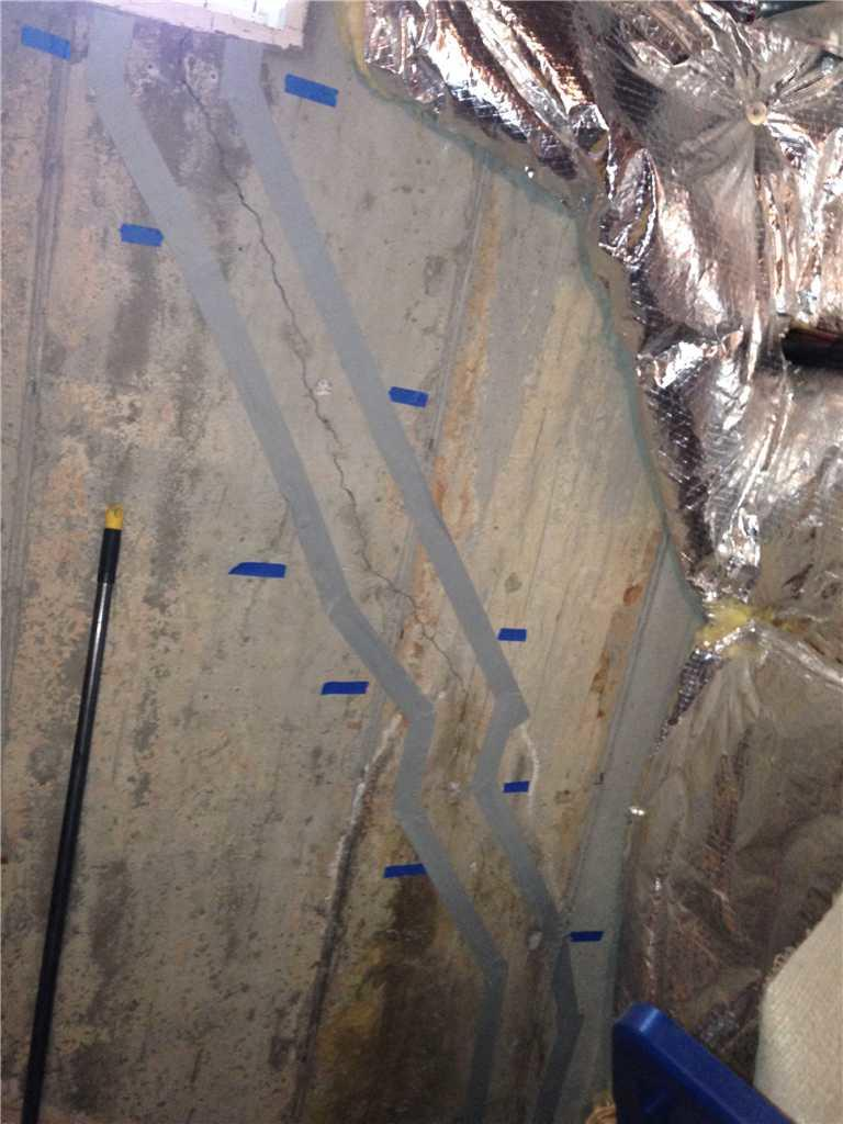 Sealed Wall Crack in Mount Holly, NJ - Before Photo
