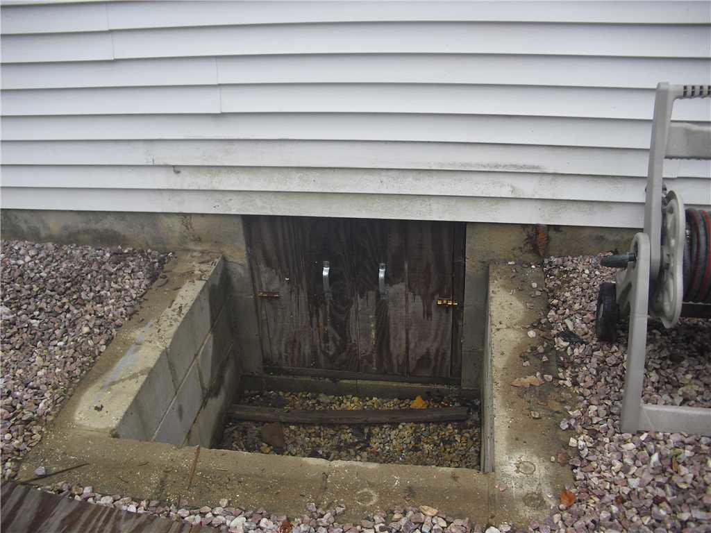 Crawl Space Entry Well Installed in New Egypt, NJ - Before Photo