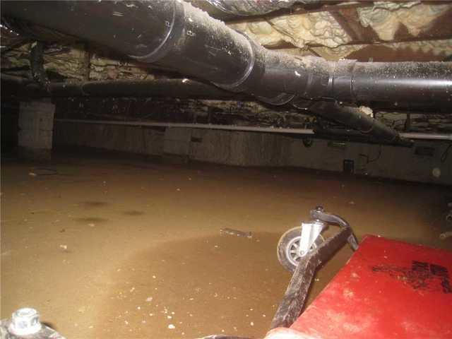 Wet Crawl Space Waterproofed in Shrewsbury, NJ