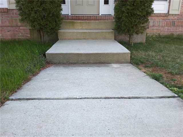 Sinking Front Step in Bridgeton, NJ - Before Photo