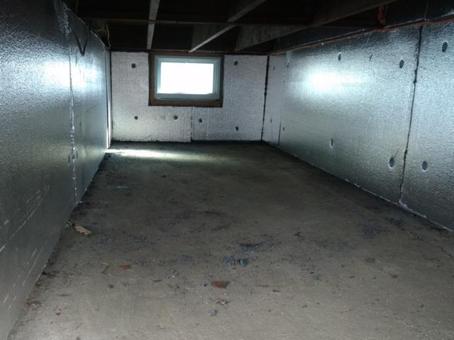 Crawl Space Insulated with SilverGlo Panels in Carteret, NJ