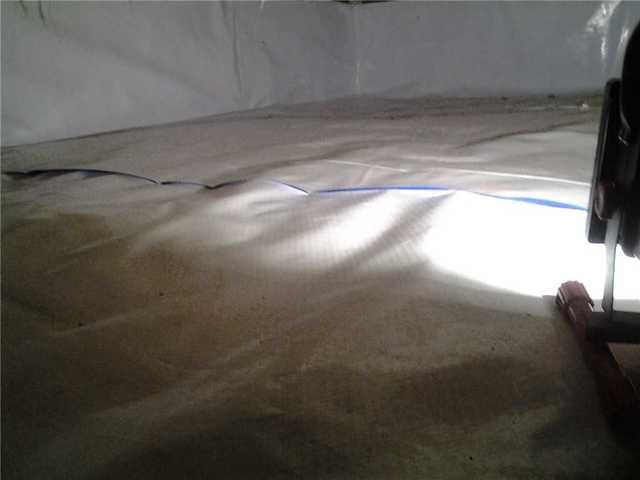 CleanSpace Liner tidies up crawl space in Somerville, NJ!