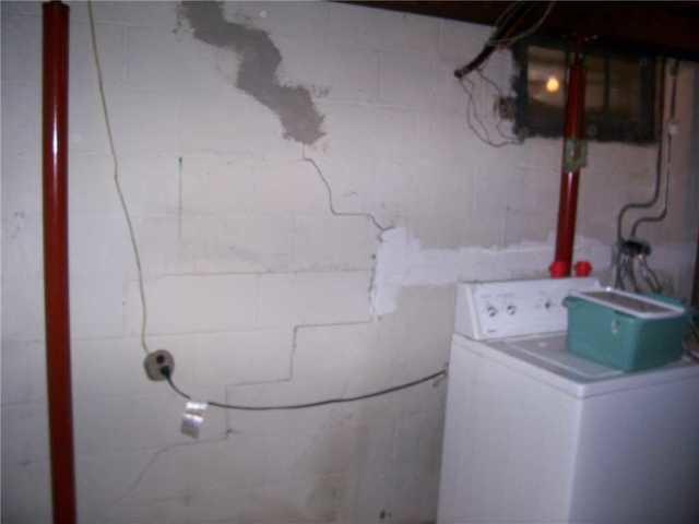 Seller Repairs Wall Cracks Before Listing Home in Milltown, NJ