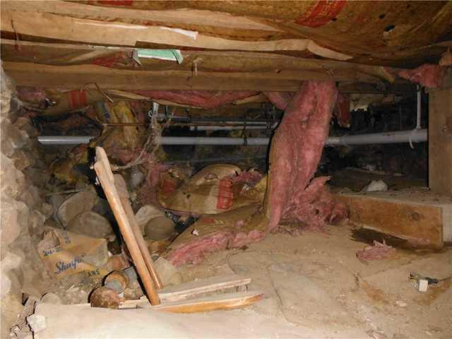 CleanSpace Cleans Up Creepy Crawl Space in Olivet, MI