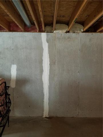 Leaky Wall Crack Remedied In Buchanan, MI