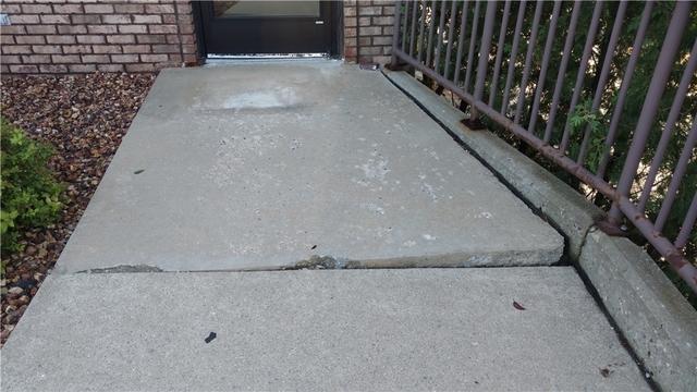 Grand Rapids, MI Business Cracked Concrete Walkway