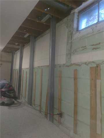 PowerBraces are the Answer to a Cracked Wall in Plainfield, MI