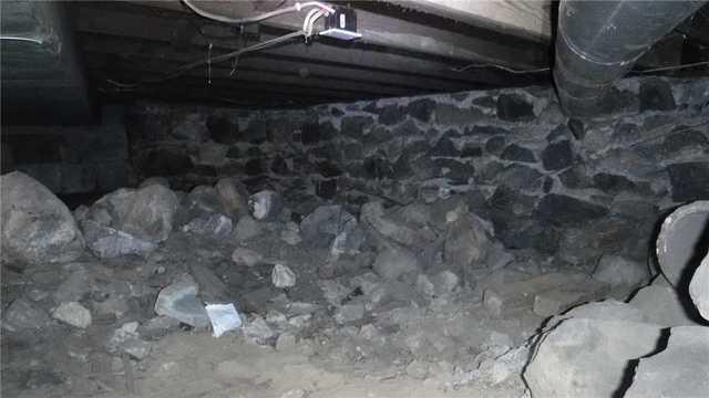 New Lansing, MI Homeowner Seeks a Crawlspace Makeover with the CleanSpace Encapsulation System