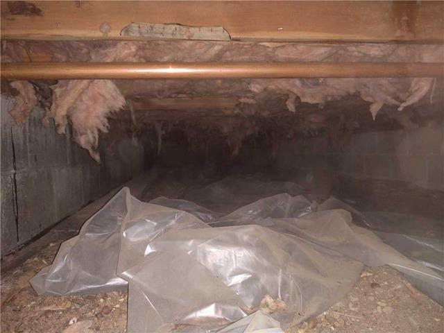 Keeping Musty Smells and Water Vapor Out of a Suttons Bay Crawl Space