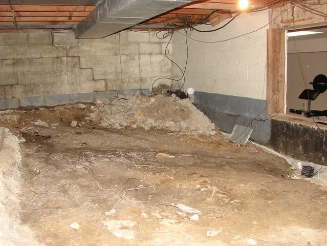 Transforming Dirt Okemos, MI Crawl Space into a Clean, Dry Storage Space