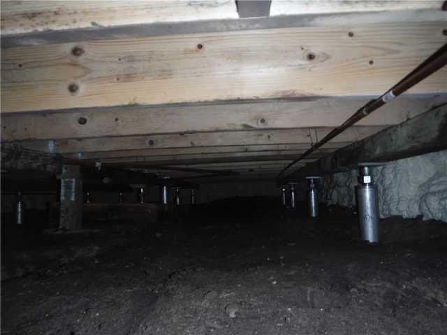 SmartJack Saves Crumbling Crawl Space in Northport, MI