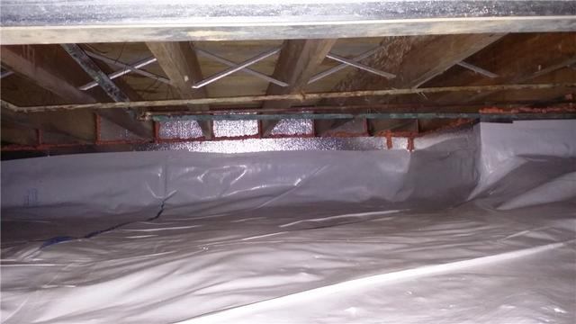 CleanSpace and SmartJacks Restore Fort Wayne, IN Crawl Space