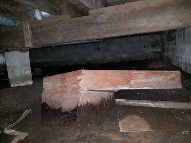 Raising a Crawlspace's Ceiling through SmartJacks in Menominee, MI