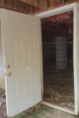 Friction Fit Door - Williamsburg, VA Crawl Space