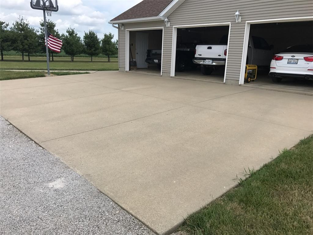 Driveway Leveled in Alhambra, IL - Before Photo