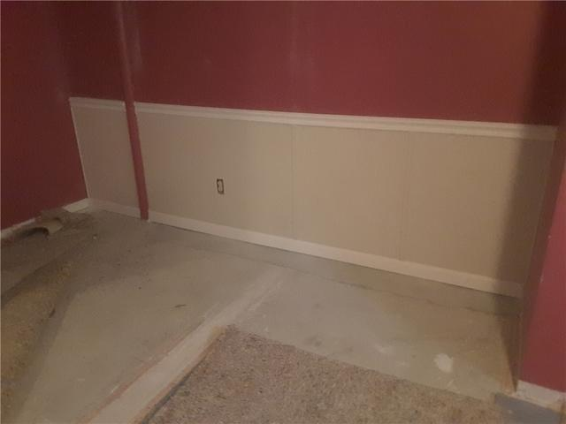 Florissant, Missouri Basement Transformed to Beautiful with EverLast Half-Wall