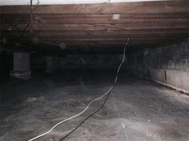 CleanSpace Moisture Barrier Keeps Crawl Space Dry in Alton, IL